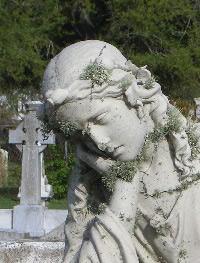 statue-left