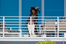 Apparently beach condos need female pirate wooden statues to ward off would-be looters and scallywags.